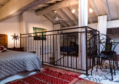 WLM-Vincent-general-towards-lounge-bed-breakfast-Arles