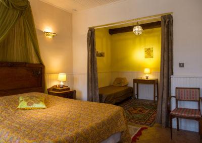 WLM-room-2-beds-bed-breakfast-Arles